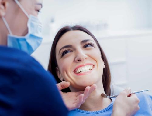 Karantina günlerinde yaşamak istemeyeceğimiz birtakım diş problemlerinin önüne geçmek için neler yapabiliriz? Kişisel bakımla bunların önüne geçebilir miyiz?